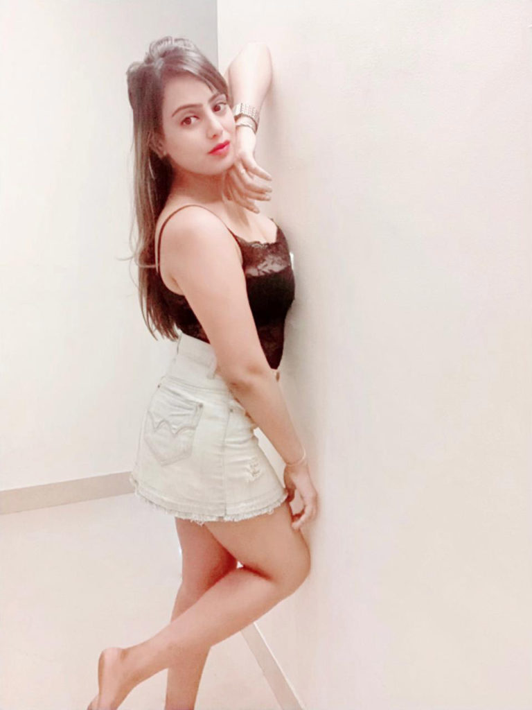 College Escort Girl Pallavi