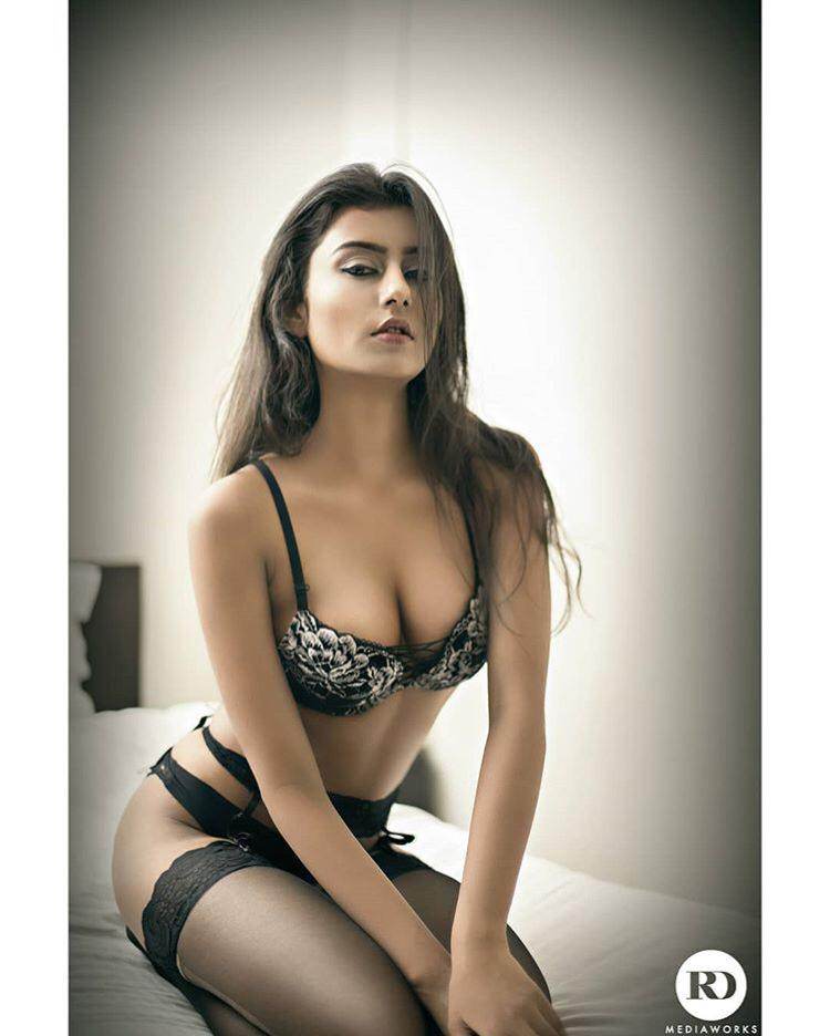 Bangalore Escorts saina